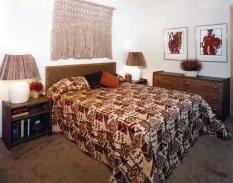 bedroom w/ macrame